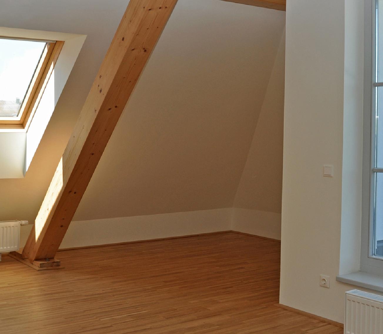 Picturesque Garage Apartment 43023pf: Refurbished Apartment